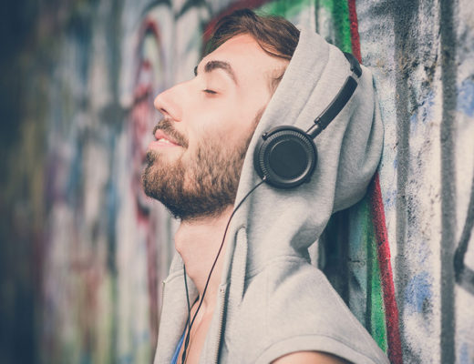musica-reduz-ansiedade-segundo-neurocientistas-um-cafe-pra-dois